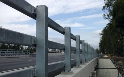 worongary-to-robina-m1-upgrade-bridge-traffic-rail-banner-min
